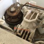 洗濯機の修理に挑戦するも